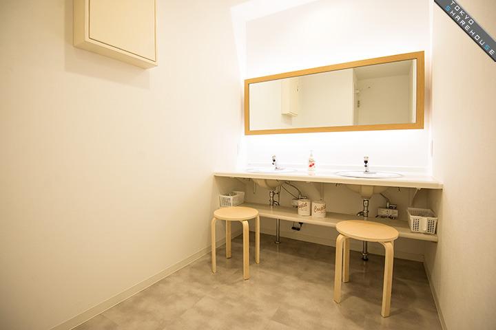 Source Of Art Culture Anteroom Apartment Osaka